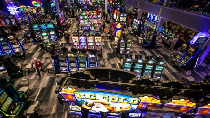 Four Magical Mind Tricks To help you Declutter Online Casino